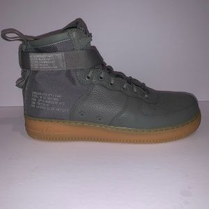 Nike Air Force 1 Mid Size 12